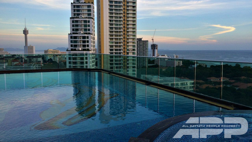 Cosy Beach View Condominium 8